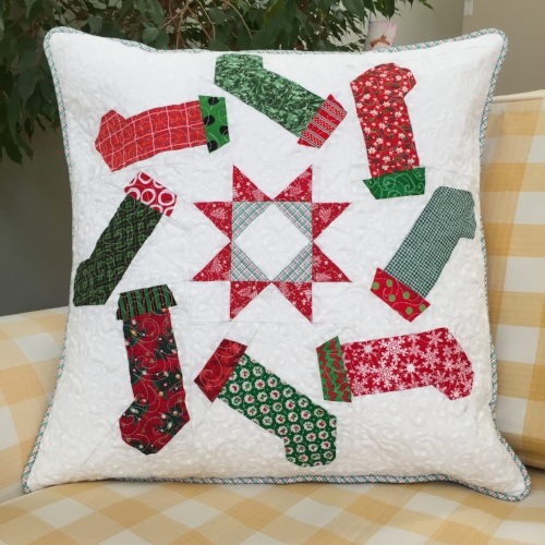 "20"" Stockings block quilted pillow"