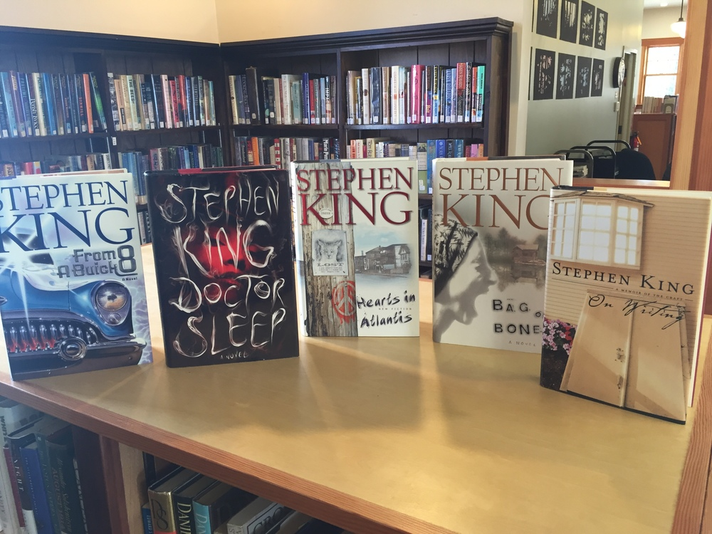 WIN ONE OF THESE 5 SIGNED STEPHEN KING BOOKS AND HELP SUPPORT YOUR LIBRARY DURING THE HOLIDAY SEASON AT THE SAME TIME!