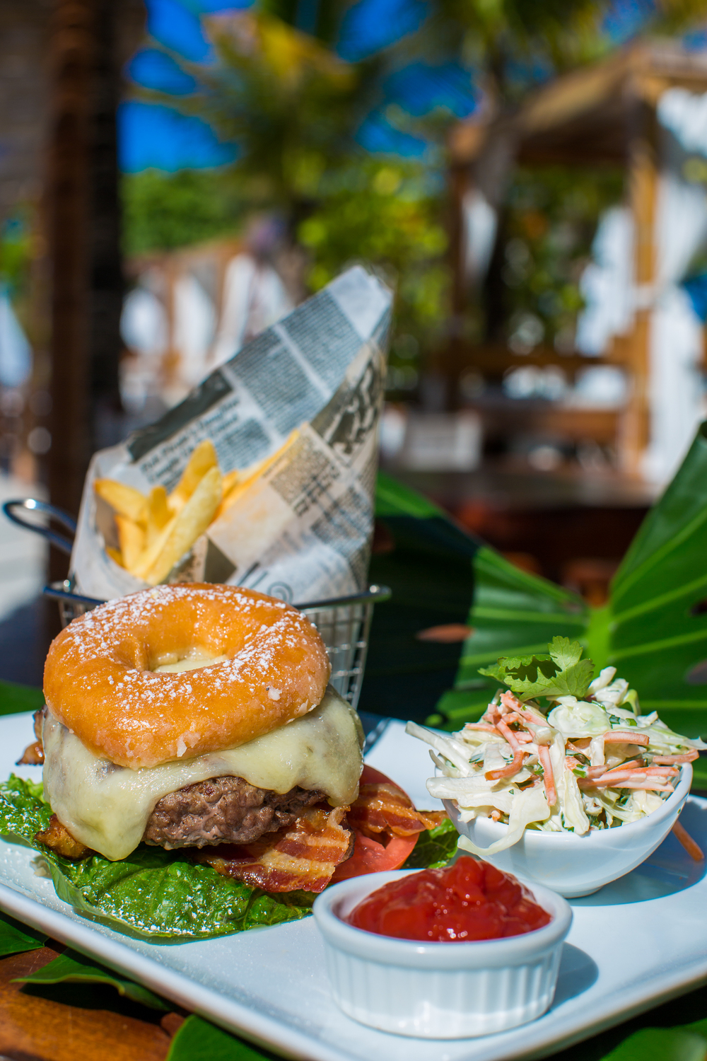 Nikki Beach 'MEEERRRICA Burger Photo credit: Alexey Olivenko