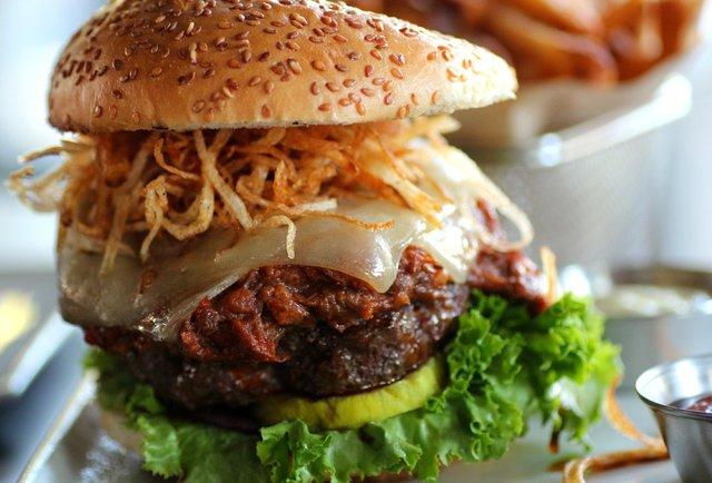 Rok Burger (photo courtesy of: Thrillist)