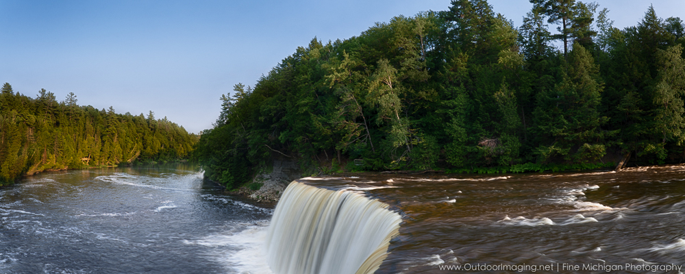 Panoramic view of Upper Tahquamenon Falls