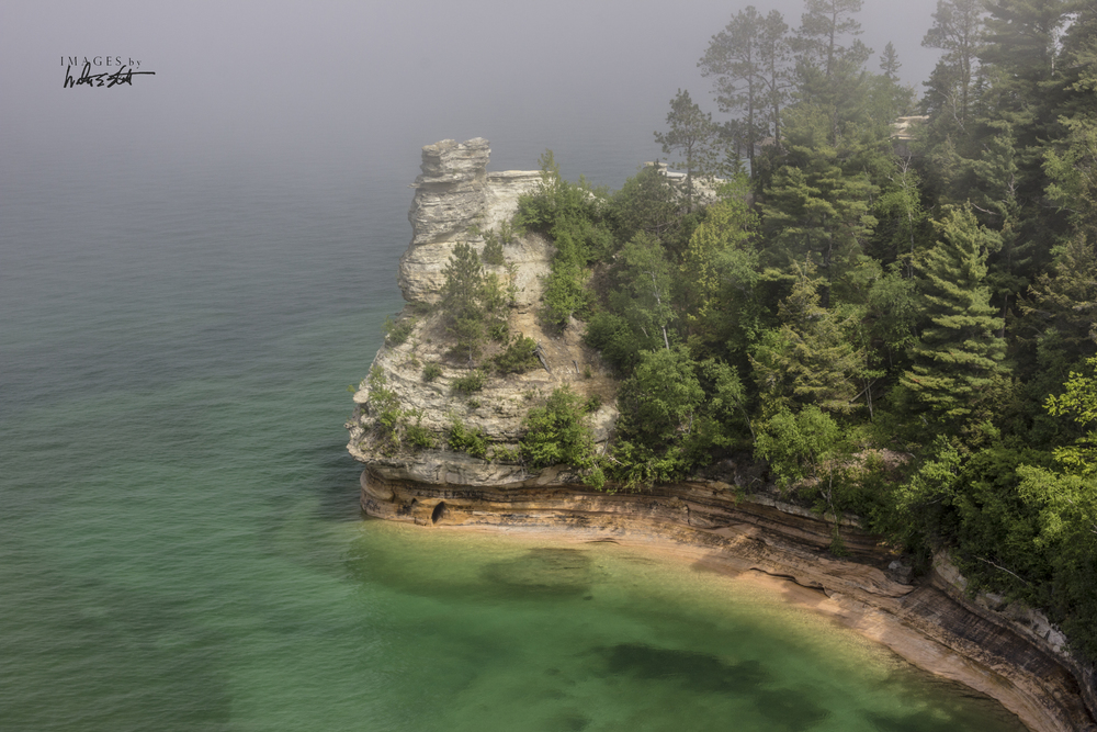 pictured rocks 3508.jpg