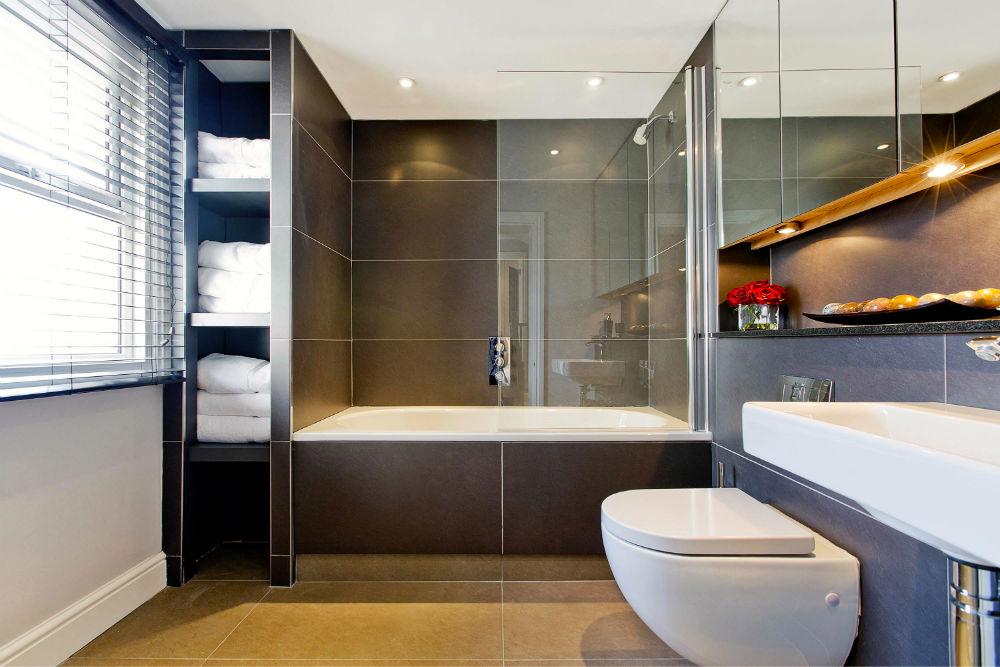 Luxurious-Modern-Bathroom-in-South-West-London1.jpg