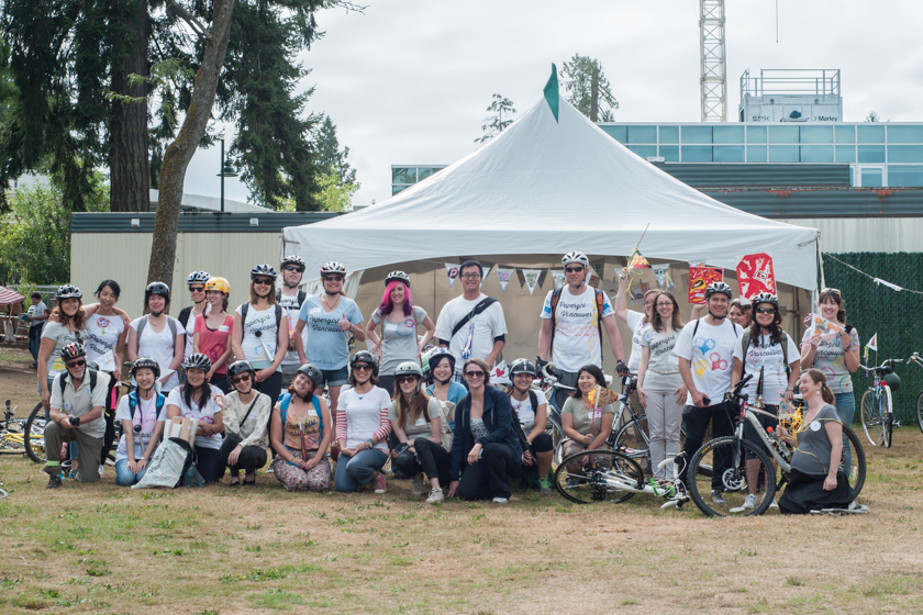 The 2013 cyclist team ready to surprise random people with the gift of art!
