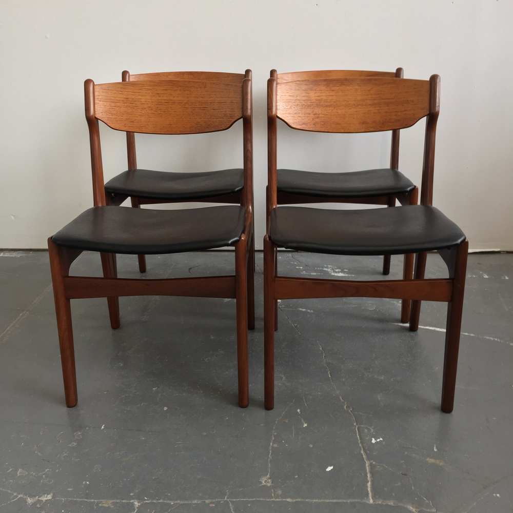 Superb Set Of 4 Vintage Danish Modern Teak Dining Chairs