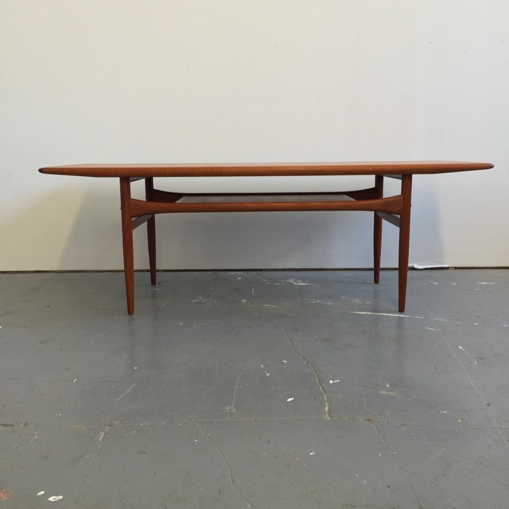 Etonnant Vintage Danish Modern Teak Coffee Table By Arrebo Mobler