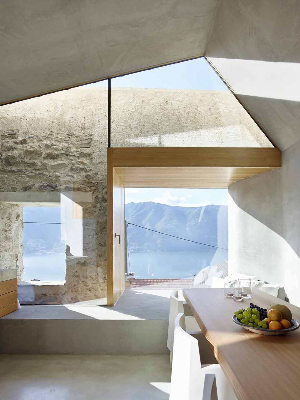 543dd5e7c07a80762d00024e_stone-house-transformation-in-scaiano-wespi-de-meuron-romeo-architects_1430_cf030655.jpg