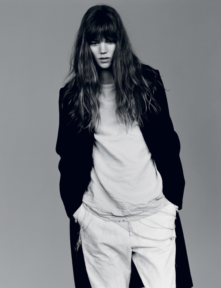 freja-beha-erichsen-by-alasdair-mclellan-for-i-d-magazine-summer-2015-4.jpg