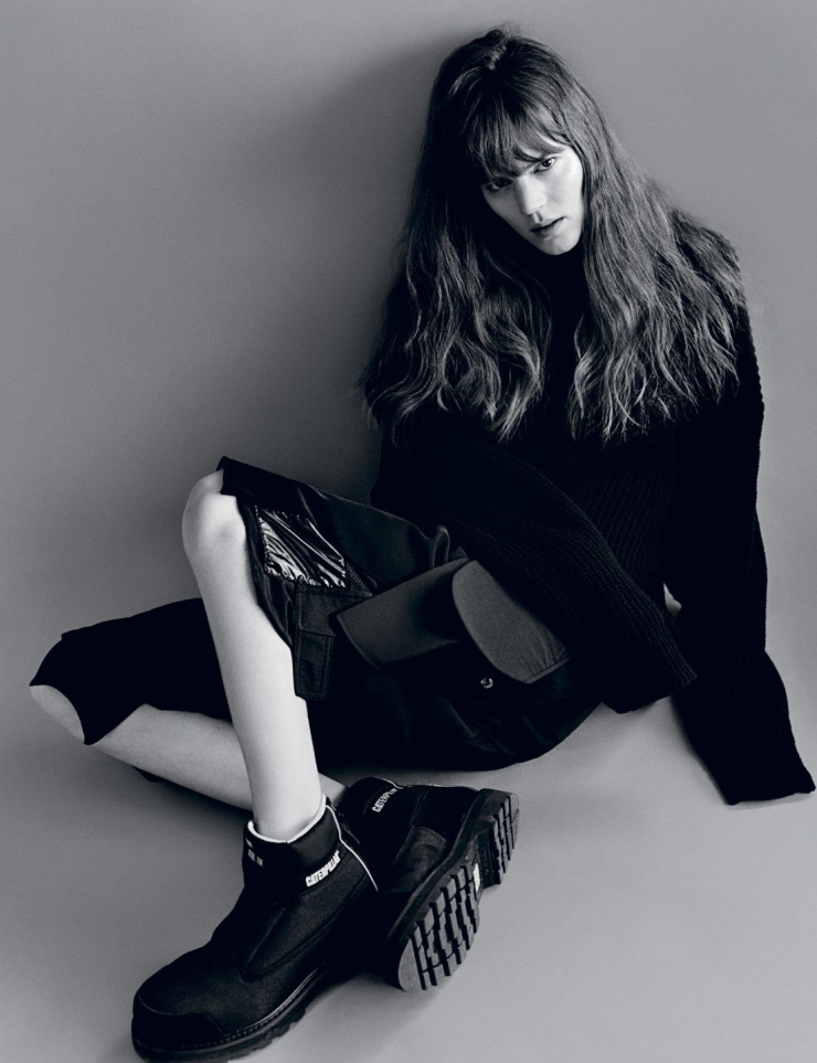 freja-beha-erichsen-by-alasdair-mclellan-for-i-d-magazine-summer-2015-6.jpg