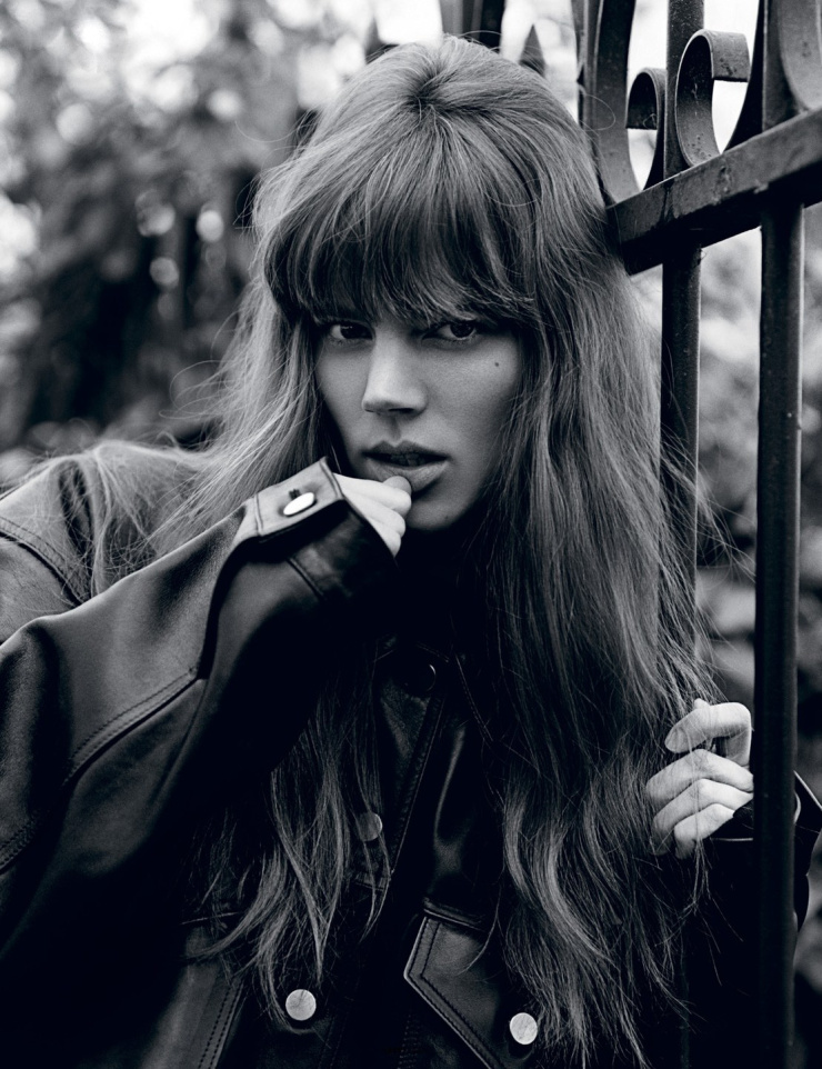 freja-beha-erichsen-by-alasdair-mclellan-for-i-d-magazine-summer-2015-11.jpg