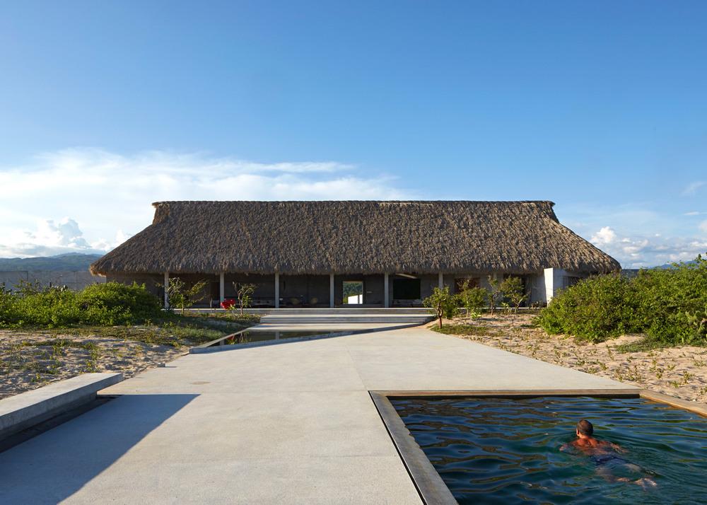 Casa-Wabi_Bosco-Studio-House_Tadao-Ando_Puerto-Escondido_Oaxaca_Mexico_dezeen_1568_5.jpg