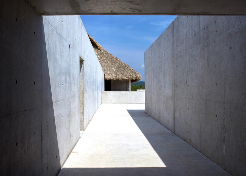 Casa-Wabi_Bosco-Studio-House_Tadao-Ando_Puerto-Escondido_Oaxaca_Mexico_dezeen_1568_12.jpg