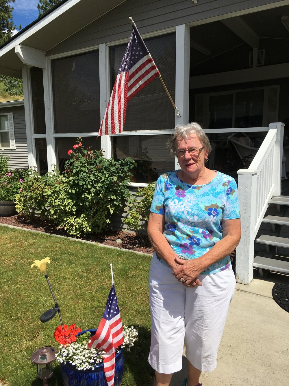 The DeLong's home at Chelan Falls is a beauty thanks to Sue's hard work.
