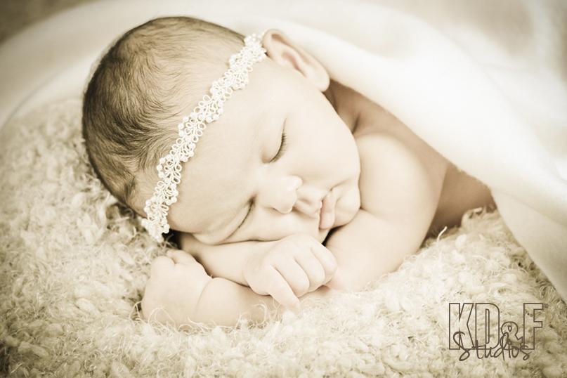 newborn-portfolio-1.jpg