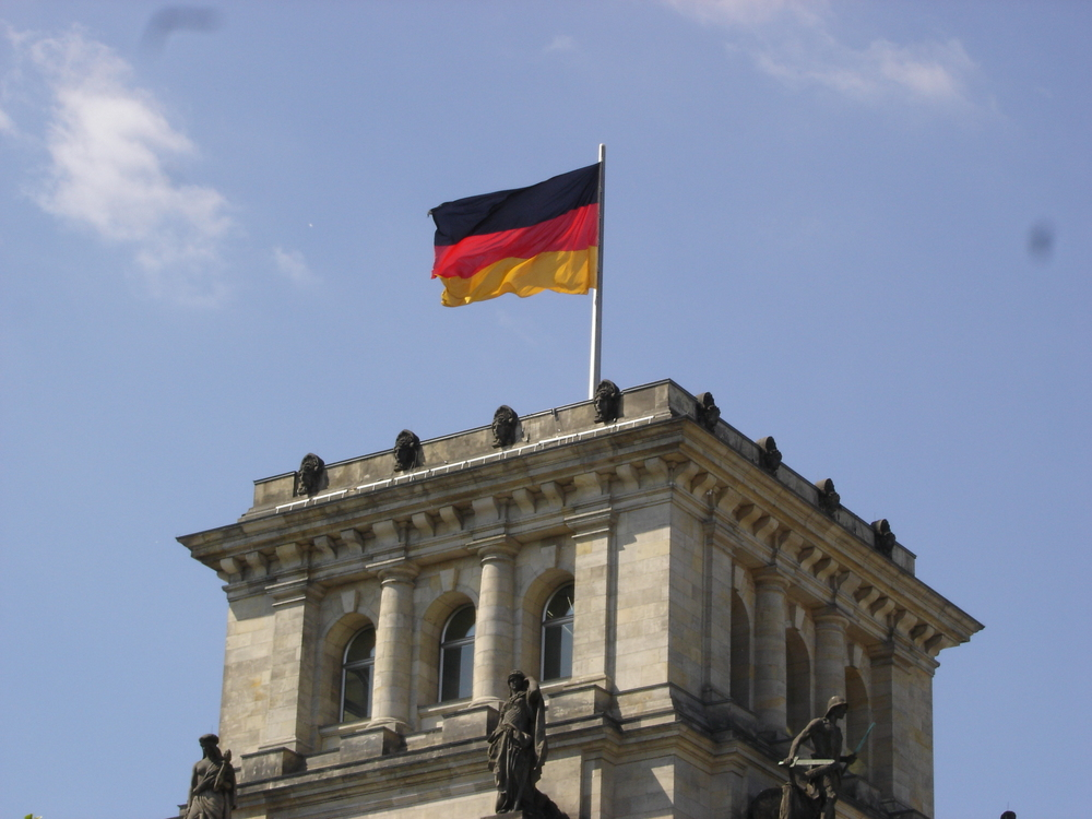 German Flag on Reichstag.jpg