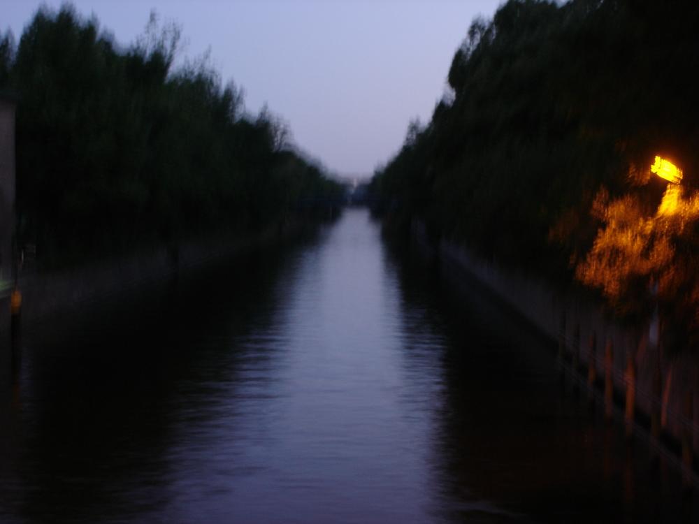 Berlin River at night.jpg