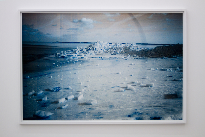 Ødelagt lys, 2011, 85 x 126 cm. Inkjet print in custom frame.Edition of 2+ 1 ap.