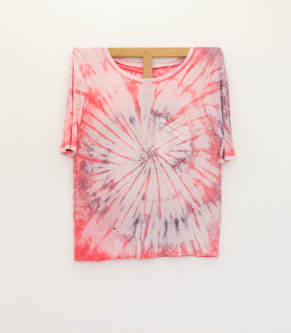 Tie Dye Tee, 2015, 117 x 101,5 Mixed textiles on walnut stretcher