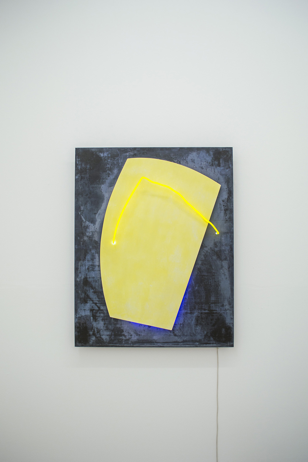 Plumbum Jaune  1988 126 x 100 x 13 cm Neon light, lead, and wood