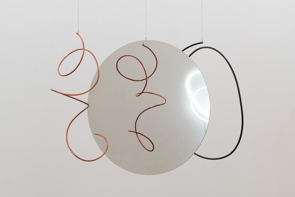 CIRCULO REFLEXA, 2018 65 x 95 x 70 cm Steel, mirror steel, copper