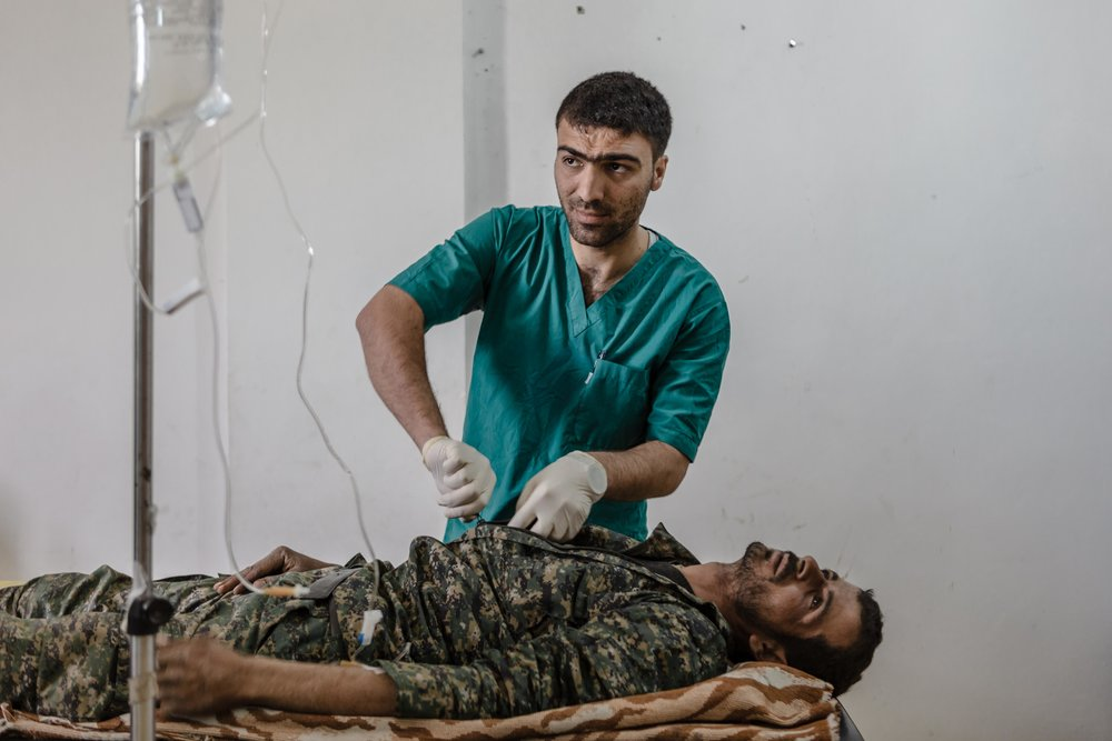Inside the Field Hospitals for Soldiers Wounded Fighting ISIS - The New Yorker: Photo Booth