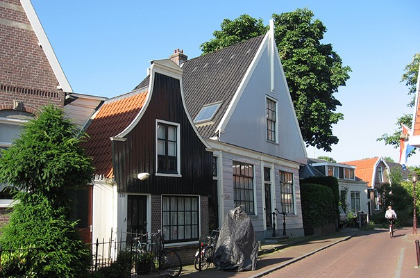 Dutch 17th and 18th century housing