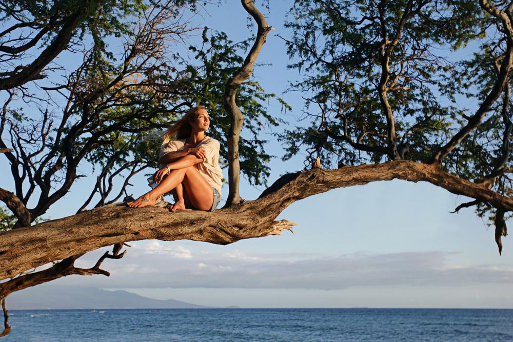 FREEPEOPLE-MAUI-HAWAII-ASHLEYBAXTER-SURF-SWIM-AMANDAJULCA-06.jpg