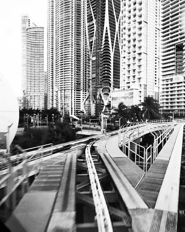 DWNTWN MIA // #miami #architecture #bnw
