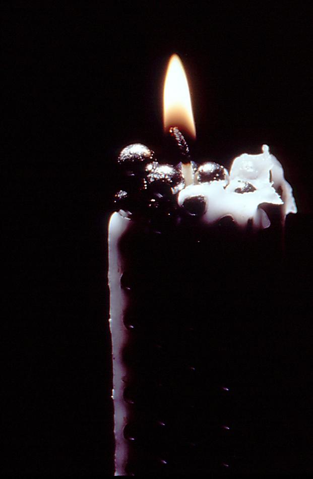Loesberg_Candle_detail.jpg