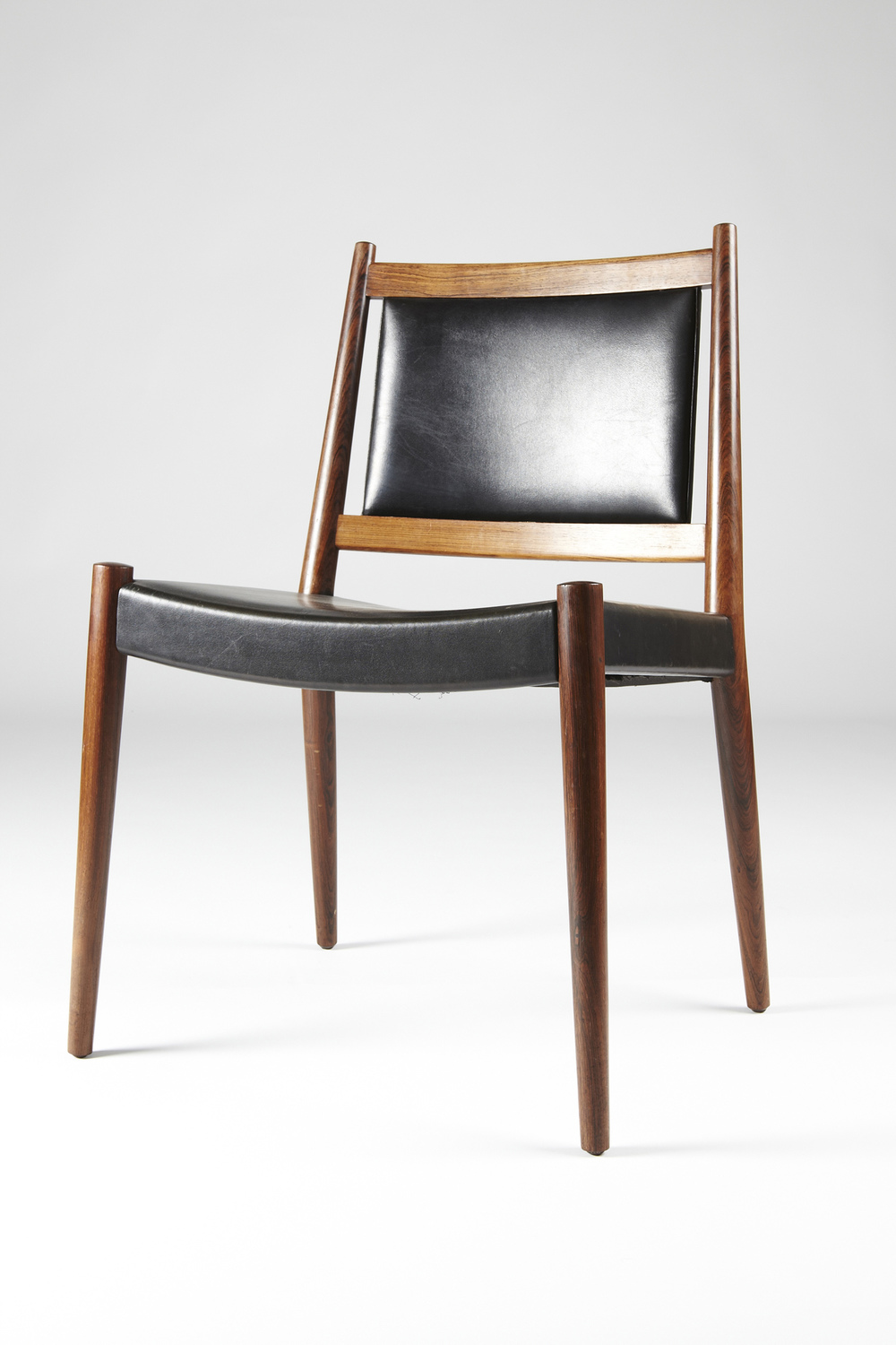 S S     Larsen 1955 D  ining Chair   • made 1955-69     •