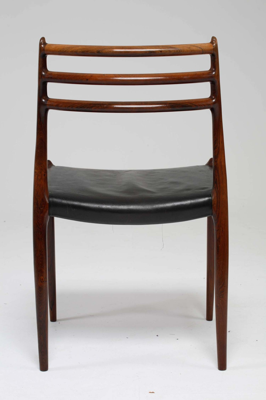 Chair_2_001_resize.jpg