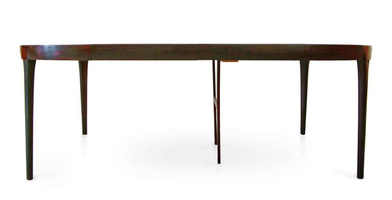 Ib_Kofod_Larsen_dining_table_Esstisch_rosewood_palisander_danish_modern_berlin_liebe_mbel_haben_5_l.jpg