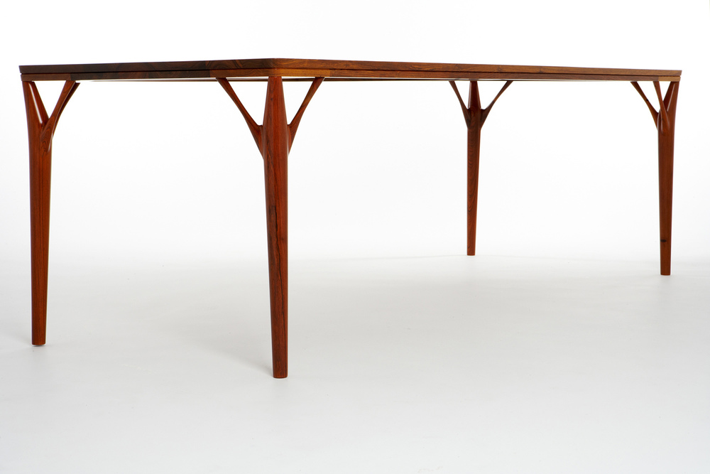 PD55 dining table1_resize.jpg