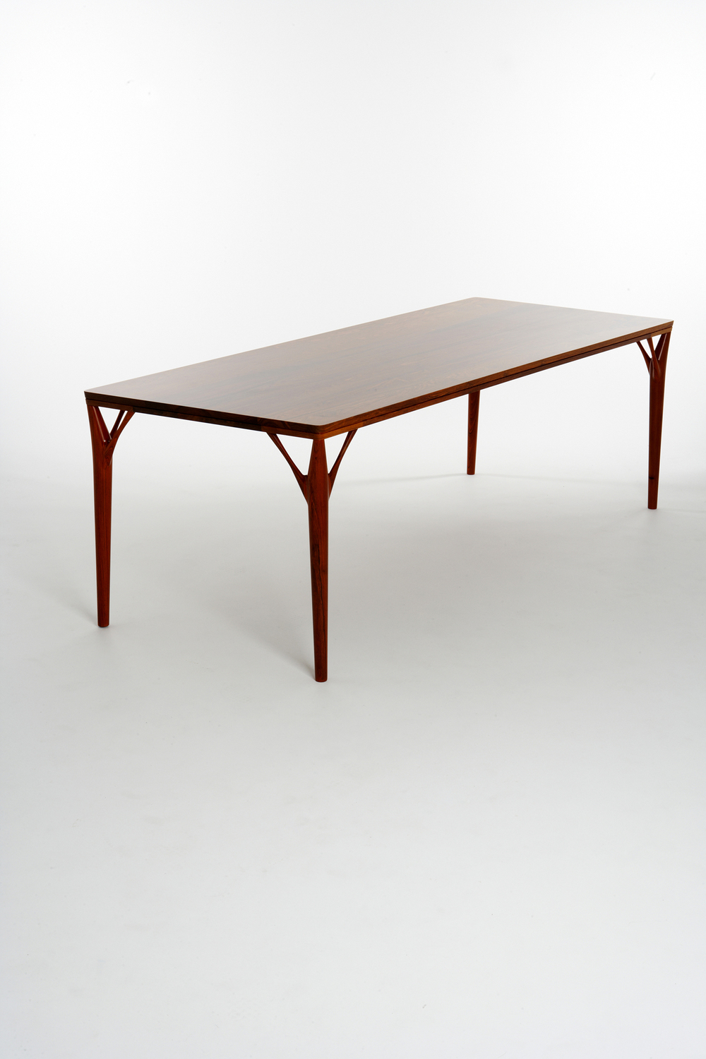 PD55 dining table2_resize.jpg