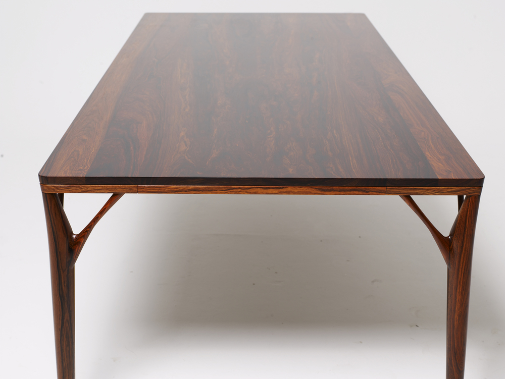 PD55 dining table11_resize.jpg