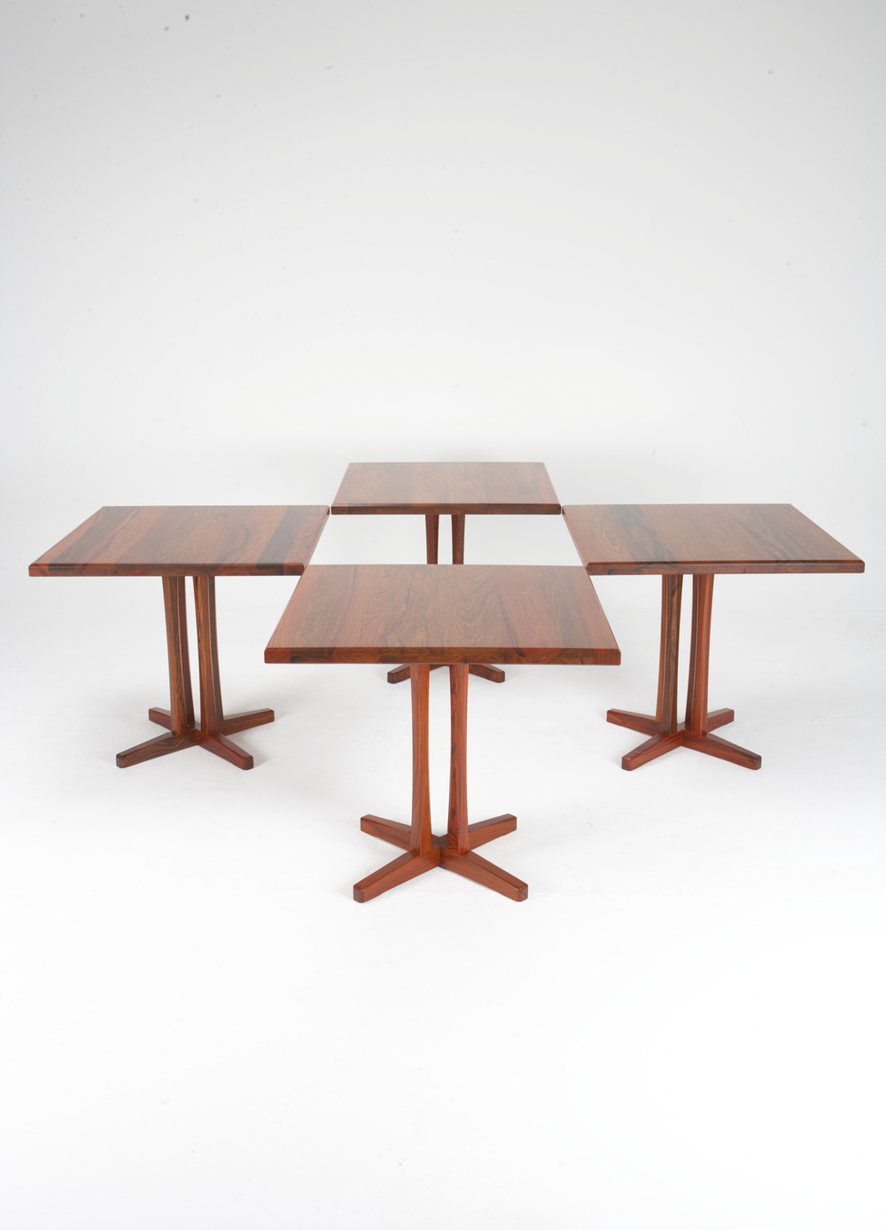 PD 70 Dining Table in Rosewood