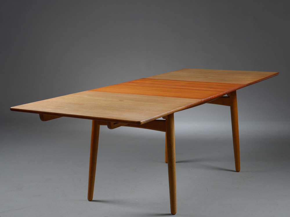 Hans Wegner model AT310 by Andreas Tuck H. 72 cm. L. 160 -240 cm. B. 86 cm. p1 solid teak top oak frame p3.jpg