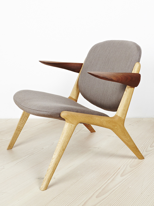 IS Lounge Chair in Oak