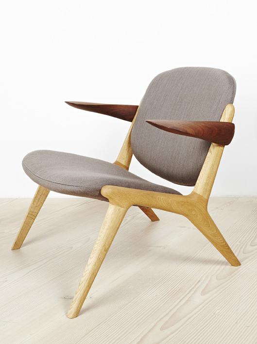 IS Lounge Chair in Oak