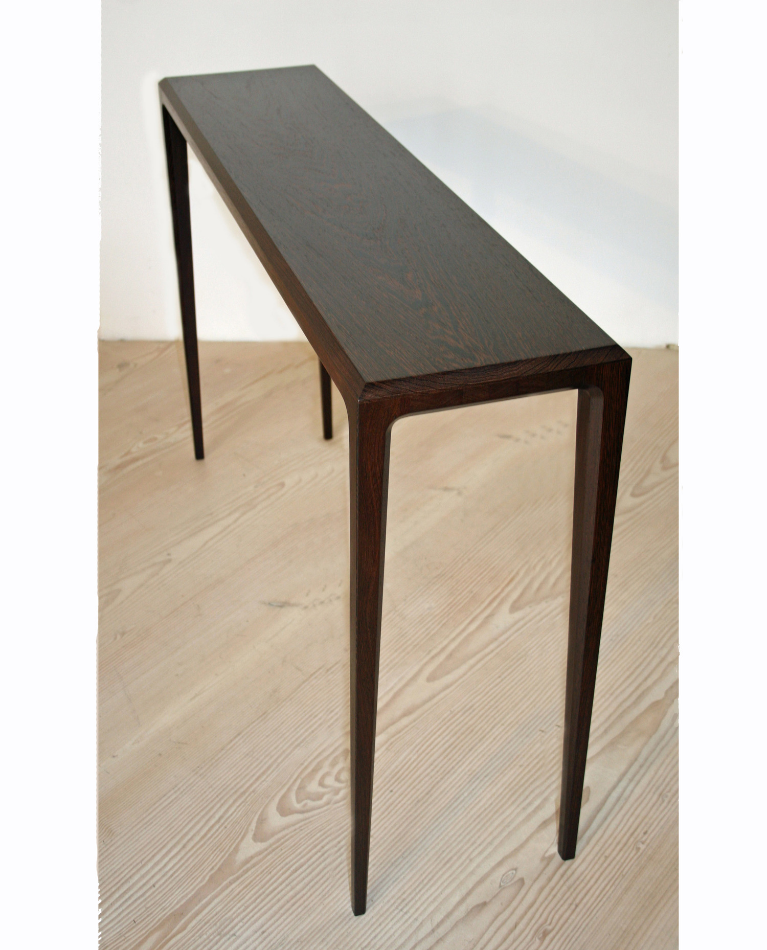 Pd 60 console table in solid wenge