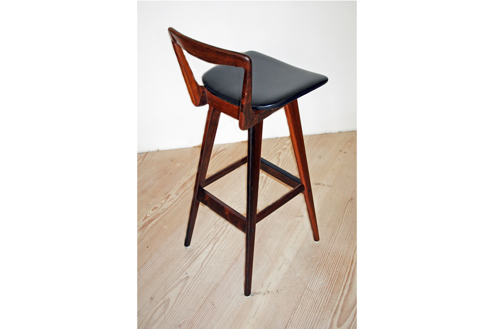 hansen_stools_8_edited_small_gallery_block.jpg
