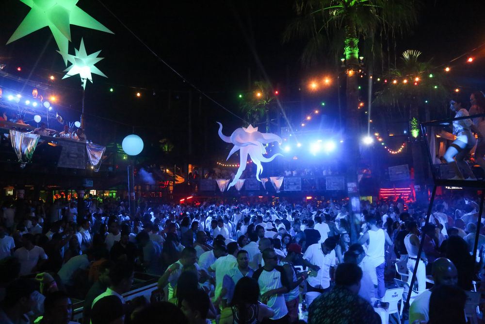 P&B- White Party 10.jpg
