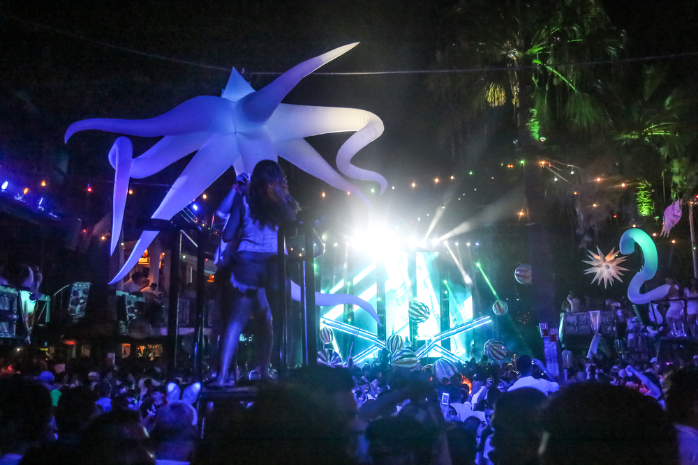 P&B- White Party 74.jpg