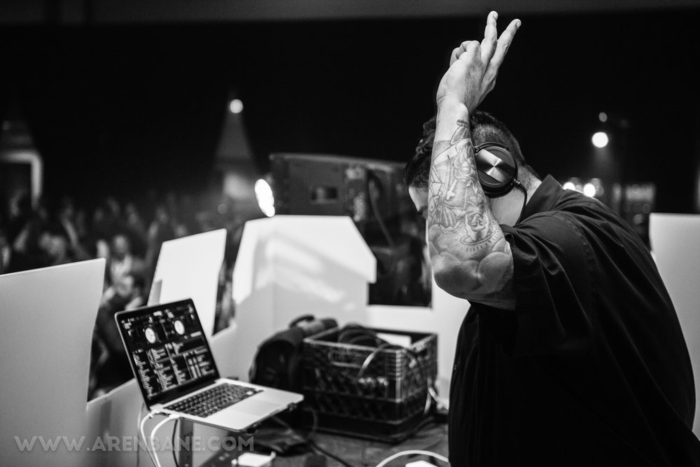 With a passion for Mixing music from all over the world, DJ Zouain has had the opportunity to DJ for Night clubs, Professional athletes, corporate events and weddings all over the U.S.