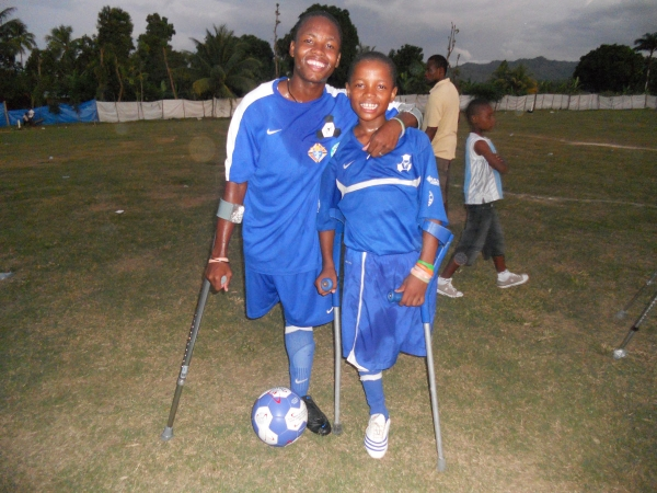 After losingtheir legs in the 2010 Haiti earthquake,these kidsfound a whole new lease on life through playing soccer with their friends -thanksto crutches.Donors like you made this possible!