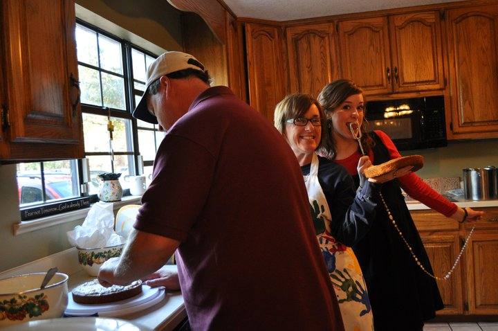 My mom and Julia just being a little silly in the kitchen, while my dad is looking super intense making his famous carrot cake, from scratch (you have to make sure you say that it's from scratch).