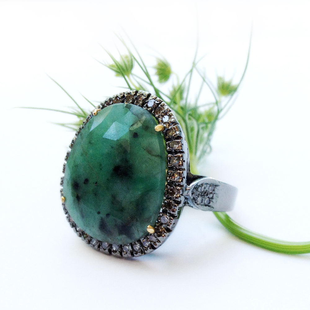 MHOS - Natural emerald and diamond ringA.jpg