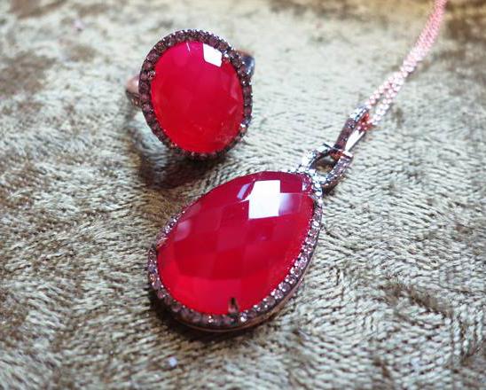 jewels2.jpg