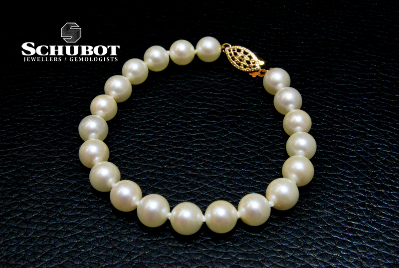 Akoya pearl bracelet - for auction at Schubot Jewellers.