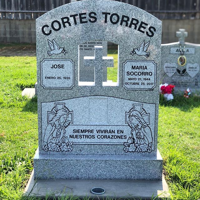 #Calvarycemetery #hollister #grey #gray #granite #polish #polished #customshapes #cross #crosses #religious #frost #frosted #engrave #engraved #sandblast #sandblasted #custom #fronttoback #crane #heavy. #gavilancrane #salinascrane Always nice to work with Gavilan Crane!!